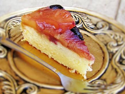 עוגת אננס ודובדבנים (צילום: דליה מאיר, קסמים מתוקים)