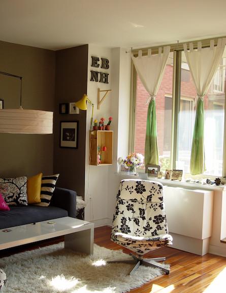 פינה בסלון (צילום: צילום ביתי)