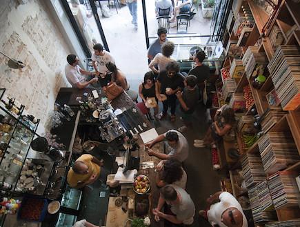 """מסעדת פורט סעיד, מבט מלמעלה (צילום: מאור """"הקטיק"""" ענבה,  יחסי ציבור )"""