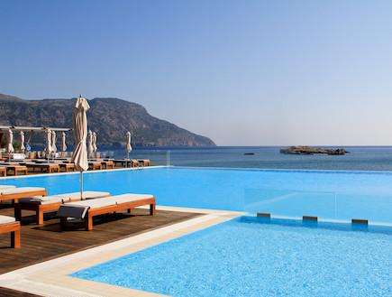 """הבריכה במלון אלימונדה (צילום: עידית נרקיס כ""""ץ)"""