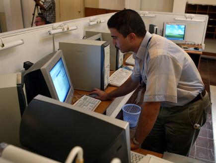 טכנאי מחשב (צילום: אימג'בנק / Thinkstock)