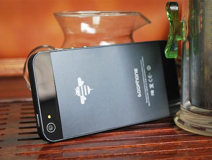 Goophone i5 (חיקוי של אייפון 5)