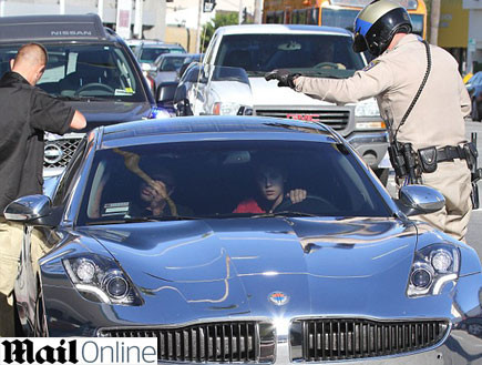 ג'סטין ביבר נעצר