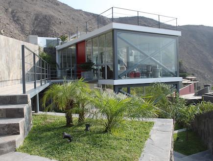 הבית בפרו, מבט מבחוץ (צילום: 2.8xArquitectos)