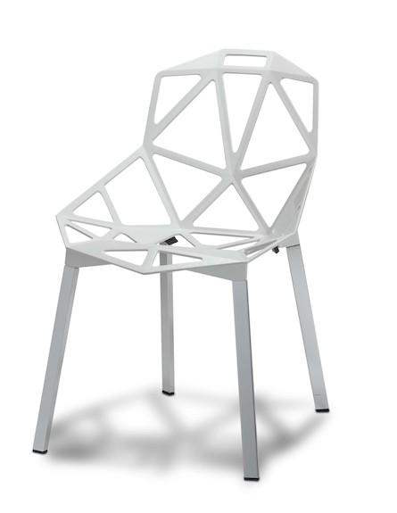 כיסא מתכת בצבע לבן במחיר 790 שח ברשת IDdesign (צילום: ישראל כהן)