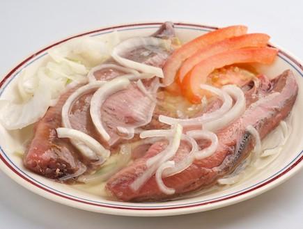 מסעדת שמוליק כהן, דג מלוח (צילום: דרור כץ,  יחסי ציבור )