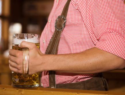 כרס בירה (צילום: אימג'בנק / Thinkstock)