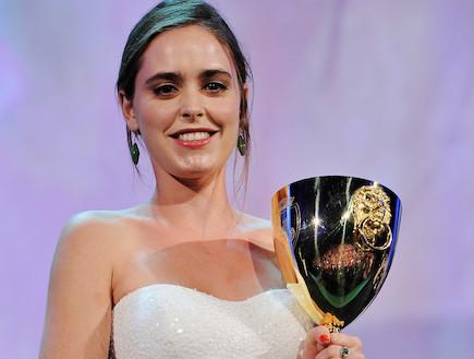 הדס ירון זוכה בפרס השחקנית הטובה ביותר בפסטיבל הסרטים בוונציה (צילום: Gareth Cattermole, GettyImages IL)