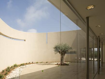קנפו כלימור אדריכלים-גינת בית הכנסת (צילום: עמית גורן)