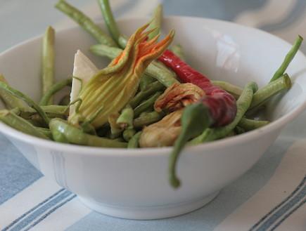 שעועית לוביה טריה עם פטה של לסבוס (צילום: אביטל סבג חורש - מומחית לרפואה טבעית , אוכל טוב)