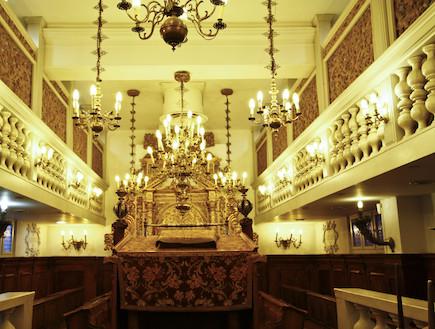 בית הכנסת האילקי -מבט לבפנים