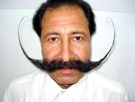 השפם הדרמטי של אפרידי (צילום: tribune.com.pk)