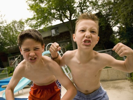 שני בנים (צילום: אימג'בנק / Thinkstock)