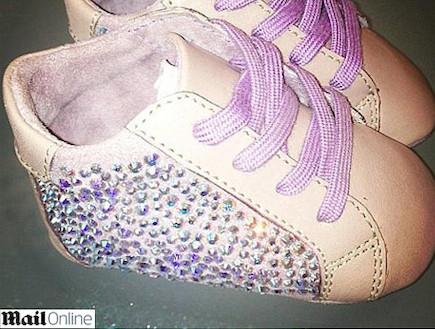 הנעליים של בלו אייבי