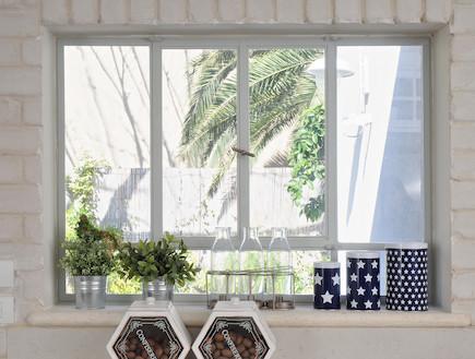 חלון במטבח (צילום: שי אדם)