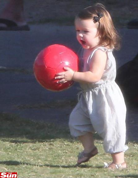 הארפר סבן משחקת כדורגל