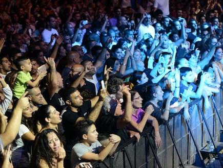קהל של אייל גולן מצדה (צילום: שרון רביבו)