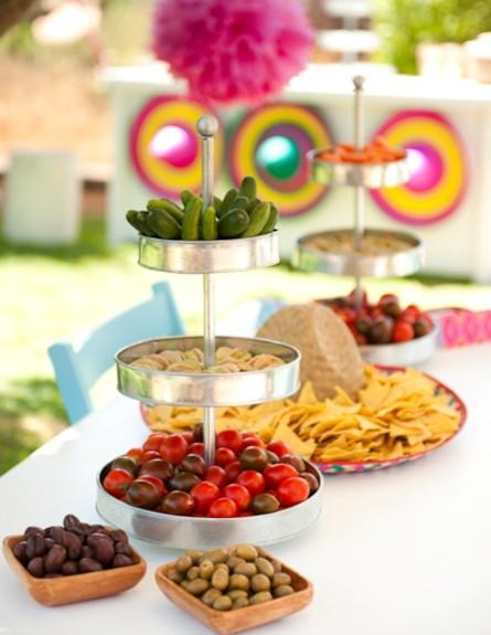שולחן עם ירקות