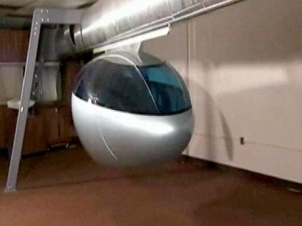 """בקרוב: רכבת אוורירית בין עמודי החשמל בת""""א (צילום: חדשות 2)"""