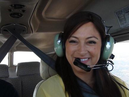 ליהיא גרינר מטיסה מטוס