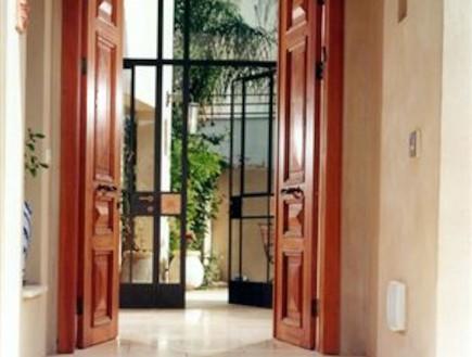 פתוח: איך לעצב מבואה נעימה לבית?