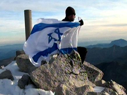 צפו בנדב בן יהודה מטפס שוב (צילום: חדשות 2)