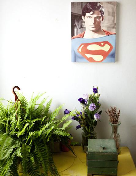 סופר מן על הקיר (צילום: עדו לביא)