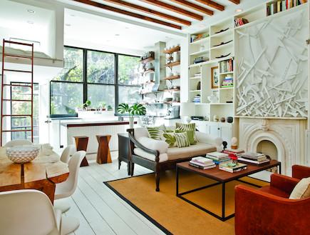 מבט לסלון (צילום: Emily Gilbert)