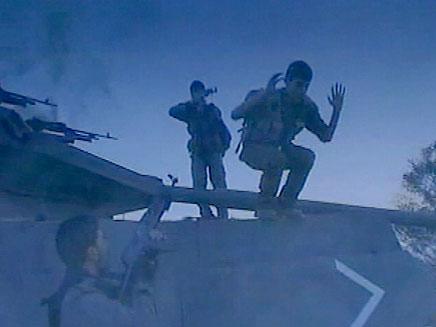 """שחזור החטיפה. """"הסגיר עצמו"""" (צילום: אל ג'אזירה)"""