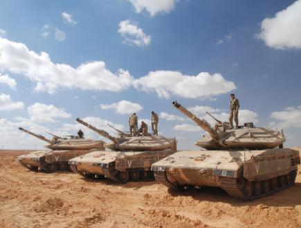 """מרכבה סימן 4 צילום דוצ (צילום: דובר צה""""ל)"""