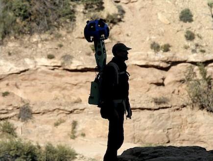 אנשי גוגל בגרנד קניון (צילום: מתוך dailymail.co.uk)