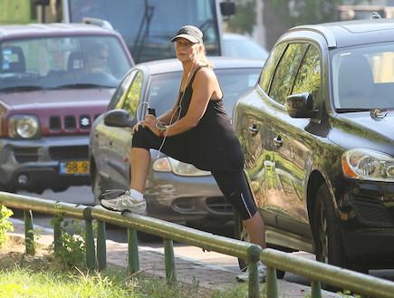 מיקי חיימוביץ' עושה ספורט (צילום: ראובן שניידר )