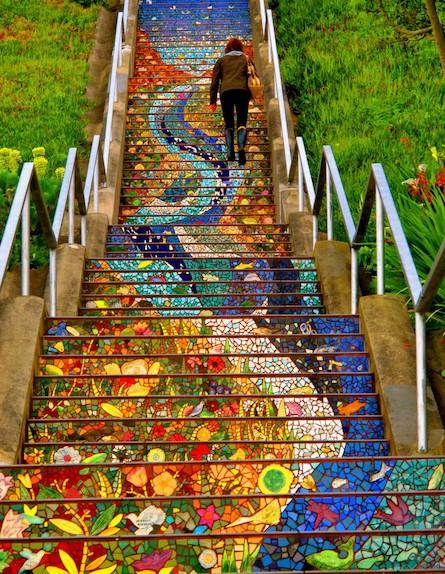 מדרגות פרחים (צילום: מתוך האתר 9wows.com)