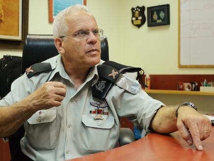 """קצין מילואים ראשי, קמל""""ר (צילום: יעל שלח, """"במחנה"""")"""