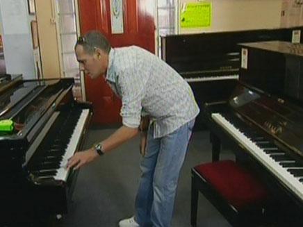 ישי לוי – גרסת הפסנתר (צילום: חדשות 2)