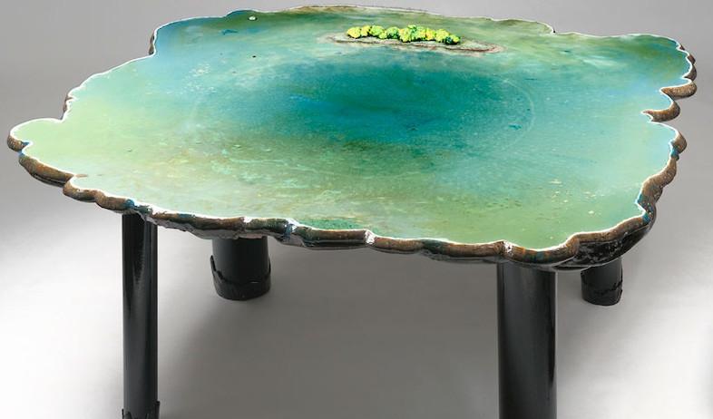 שולחן בריכה מלא gaetano pesce (צילום: john rohrer)