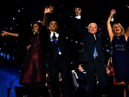 אובמה, ביידן ונשותיהם (צילום: AP)