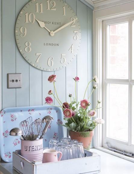 שעון קיר (צילום: www.housetohome.co.uk-)