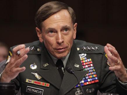 הגנרל, במהלך שירותו (צילום: רויטרס)