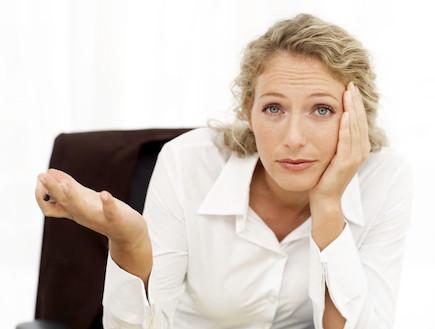 אישה מבולבלת עבודה (צילום: realsimple.com, Getty images)