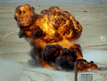 """פיצוץ אילוסטרציה אסון צאלים (צילום: דובר צה""""ל)"""