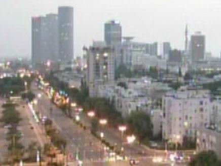 תל אביב בעת ירי רקטה (צילום: חדשות 2)