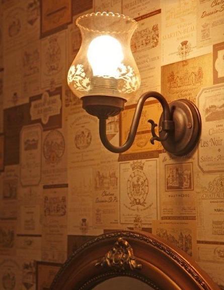 מנורה קיר (צילום: אימר שיקלר)