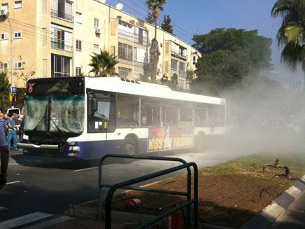 """פיצוץ באמצע תל אביב (צילום: איציק גד - סוכנות הידיעות """"חדשות 24"""")"""