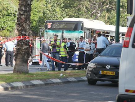 רפיגוע בתל אביב - אוטובוס (צילום: ראובן שניידר )