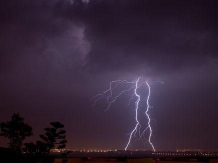 סופות ברקים מרשימות ברחבי הארץ (צילום: אלי בצרי)