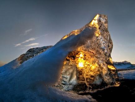 השמש בתוך הקרחונים