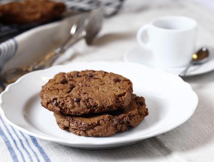 עוגיות שוקולד צ'יפס קלאסיות ענקיות (צילום: אפיק גבאי, קפה נולה)