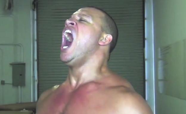 Elliott Hulse bodybuilder