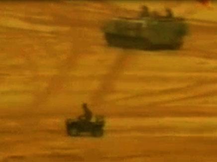 """בדואי בתוך שטח אש צה""""לי (צילום: חדשות 2)"""